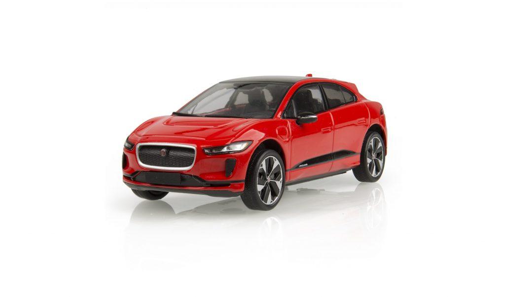 نموذج مصغر بقياس 1:43 لسيارة جاكوار I-PACE الجديدة بلون فوتون أحمر